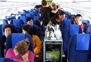 crowded-airplane-cabin-300x205