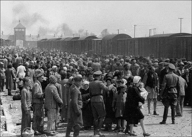 holocaust 4 trains