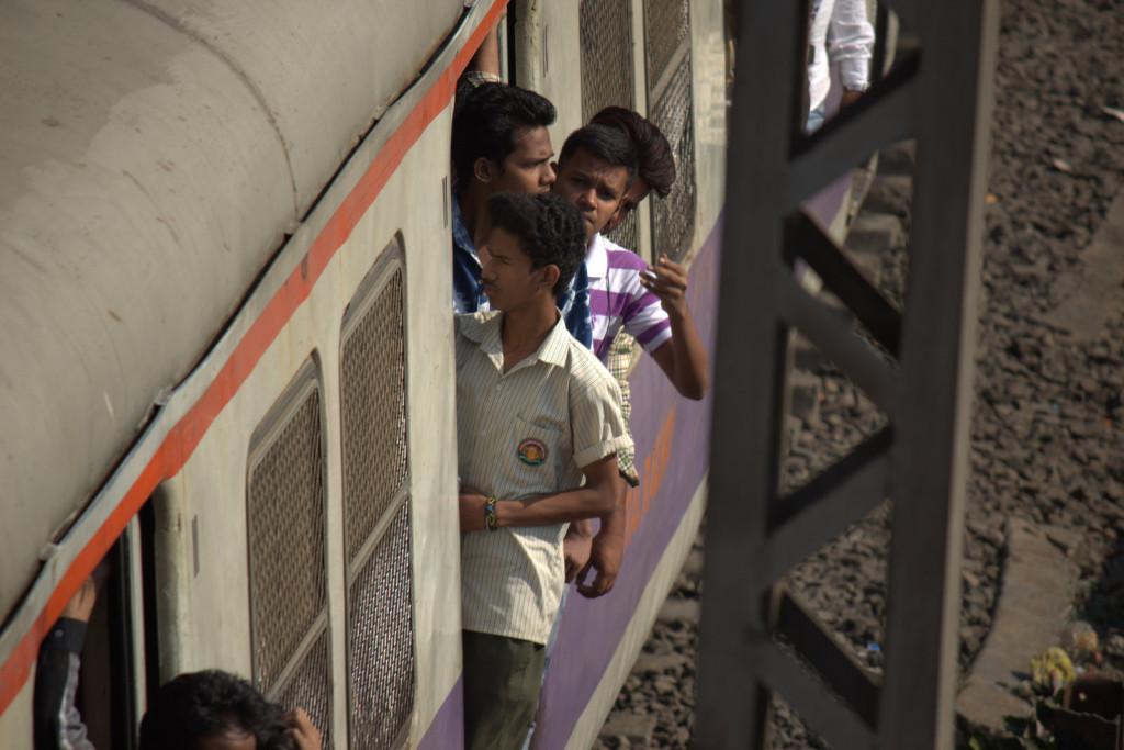 railway_crowds10_rs